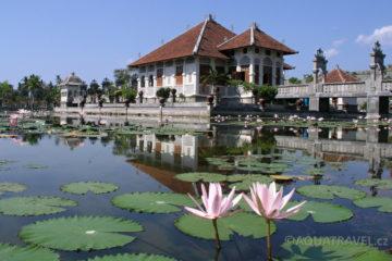 Plovoucí královský vodní palác Ujung